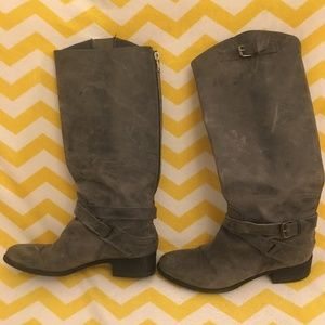Sturdy Blue/Gray Boots!
